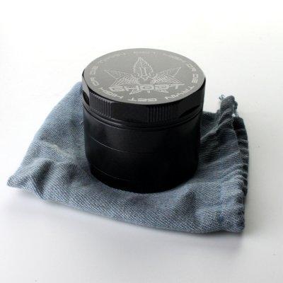 Grinder Keramikbeschichtet Schwarz Ø: 53 mm, 4 Part mit Sieb und Schaber